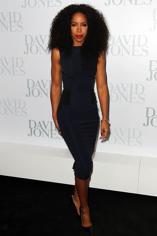 Kelly Rowland has repositioned herself to Australia and was channelling Diana Ross at a David Jones fashion event in sleek, dark, fitted Victoria Beckham.
