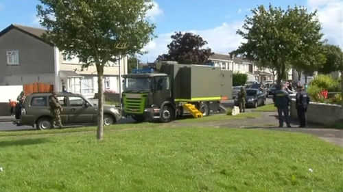 An Army Bomb Disposal Team was called to Tallaght early this morning