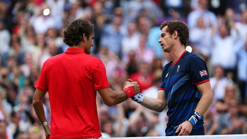 Andy Murray (r) defeated Roger Federer (l) in the Olympic final