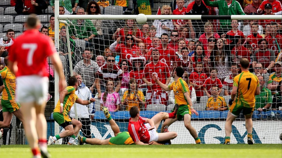 Cork's Colm O'Neill sees a shot come back off the crossbar