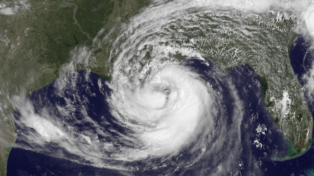 Tropical Storm Isaac moves in closer over land