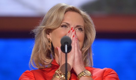 How Mitt Romney's wife Ann Romney campaigns.