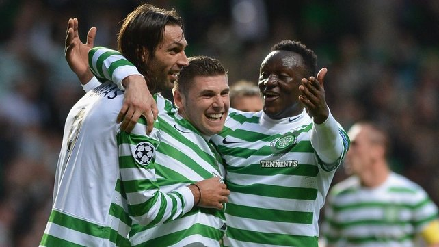 Georgios Samaras and Gary Hooper were on target as Celtic beat Dundee 2-0