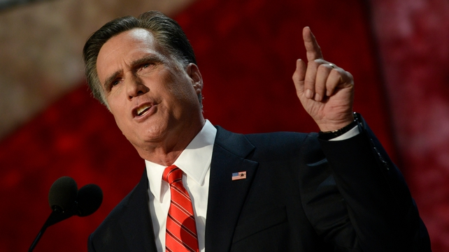 Mitt Romney focused on early voters in the Republican primary battle