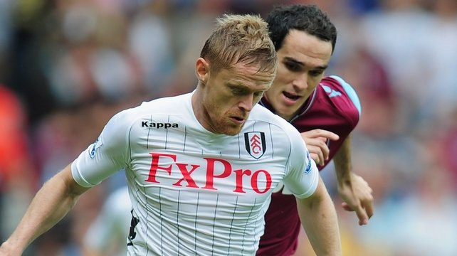 Joey O'Brien chases Damien Duff during West Ham's comfortable win over Fulham