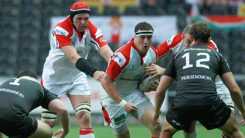 Ulster's Rob Herring takes on Ospreys' Ashley Beck and Ryan Bevington