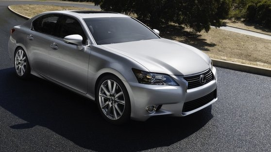Lexus has delivered its 2nd generation petrol/electric powered GS hybrid the 450h