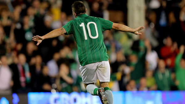 That old familiar feeling? A Republic of Ireland number 10, named Robbie, celebrating a goal for the senior side. It's Robbie Brady, of course!