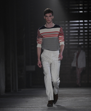 McQueen set to return to London