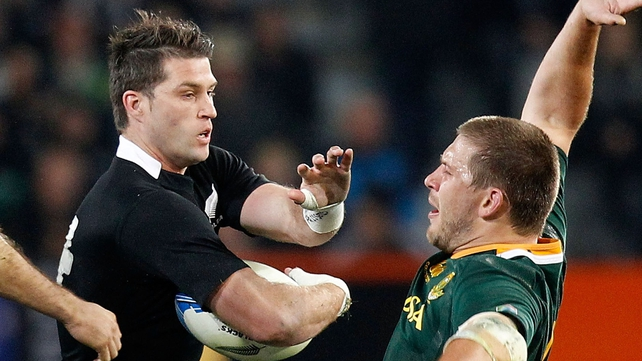The All Blacks hung on to beat South Africa 21-11