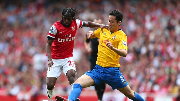 Gervinho (l) scored twice as Arsenal eased to victory over Southampton