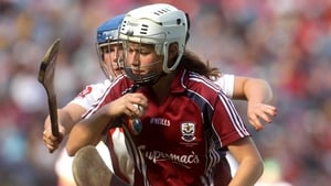 Derry's Maeve Quinn closes in on Maria Brehony of Galway in the Intermediate final
