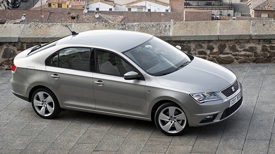 It looks like a compact saloon but in fact it is a spacious hatchback