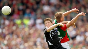Sligo's David Kelly (l) and Kevin Keane of Mayo contest a high ball