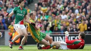 Mayo goalkeeper David Clarke prevents McFadden scoring a third first-half goal for Donegal