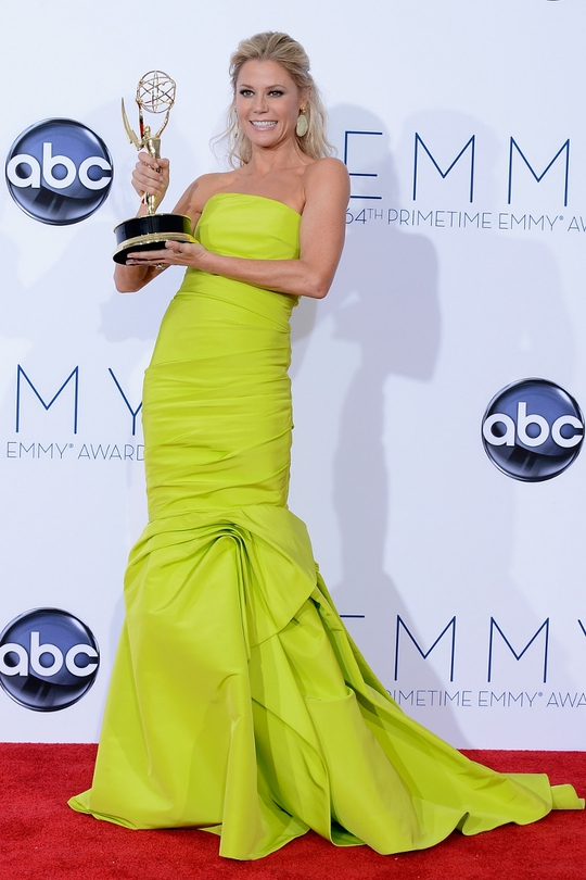 Julie Bowen wore a lime green Monique Lhullier gown