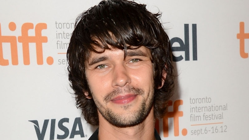 "Whishaw - ""I don't think you can be Q and Doctor Who"""