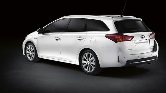 Toyota revealed the Auris Estate