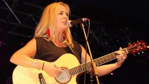 In Tua Nua vocalist Leslie Dowdall