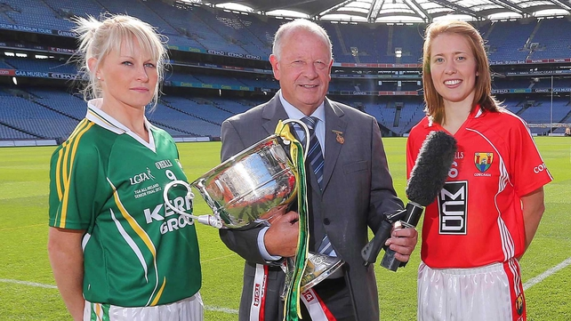 Breen and Buckley with Pat Quill, President of the Ladies Gaelic Football Associaton