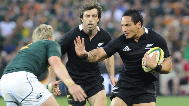 New Zealand's Hosea Gear fends off a would-be tackler