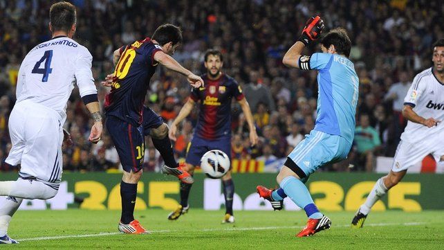 Lionel Messi makes it 1-1 at the Nou Camp