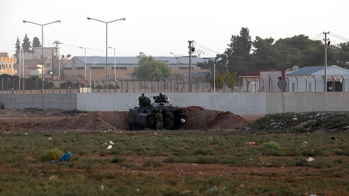 Turkey has strengthened defences along its 900km border with Syria