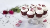 Red velvet cupcakes - Perfect to end a romantic meal or as a token of affection