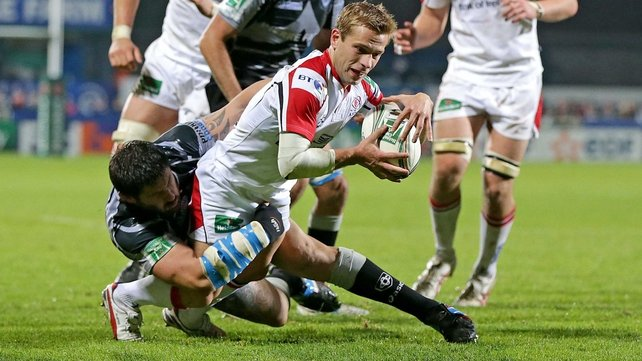 Yannick Forestier can't stop Paul Marshall scoring a try for Ulster
