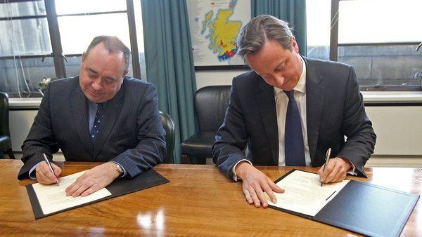 David Cameron and Alex Salmond signed the agreement in Edinburgh this afternoon