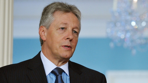 Peter Robinson said there must be no distinction between violence by loyalists and violence by dissident republicans