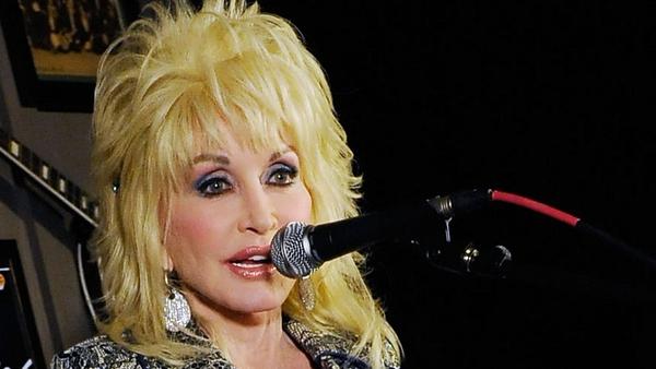 Dolly Parton set to headline Glastonbury 2014?