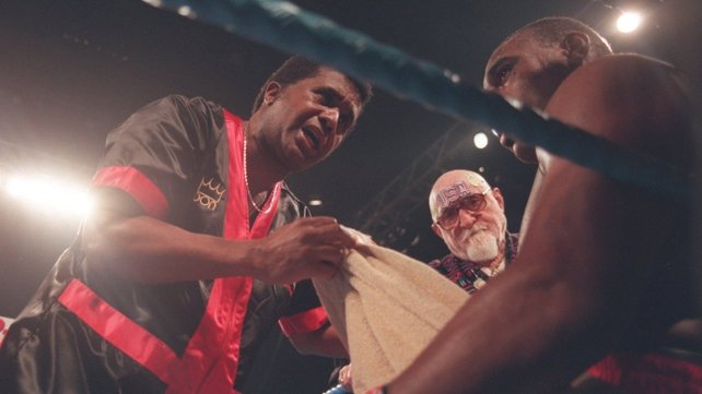 Emanuel Steward pictured working with Oliver McCall in 1994