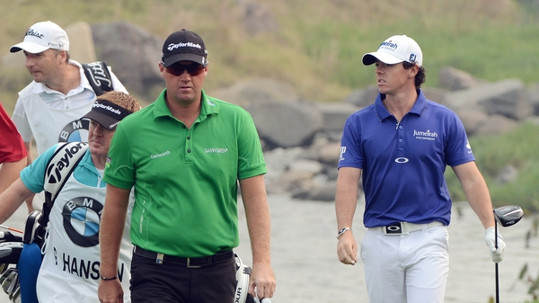 Peter Hanson and Rory McIlroy duelled down the back nine in Shanghai