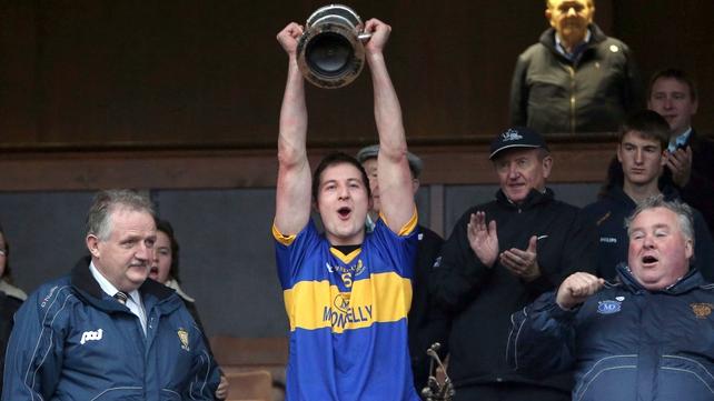 Enda Barrett lifts the trophy as Newmarket-on-Fergus celebrate county glory again
