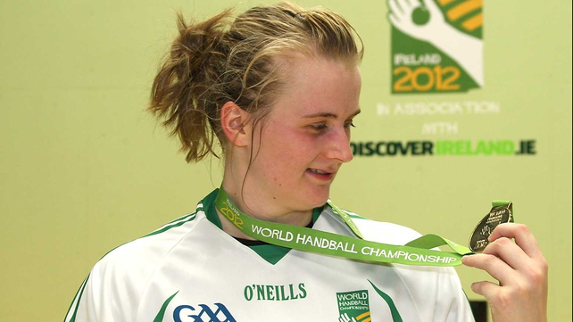 Aisling Reilly admires her medal
