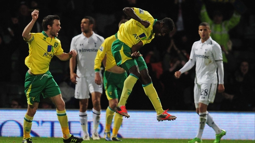 Alex Tettey celebrates his equaliser