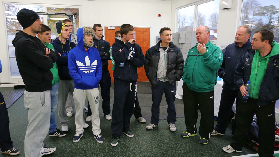 Ireland rugby manager Declan Kidney chats to the Ireland high performance boxing squad
