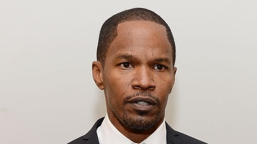 Jamie Foxx in talks for Annie