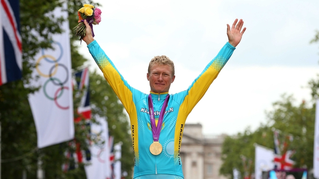 Alexandre Vinokourov with his Olympic gold medal in London