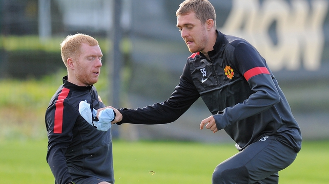 Paul Scholes and Darren Fletcher won't travel to Portugal for the match against Braga