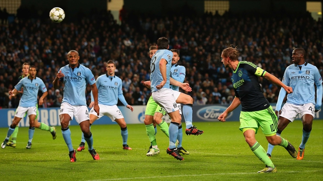 Siem De Jong scored two goals from corners for Ajax