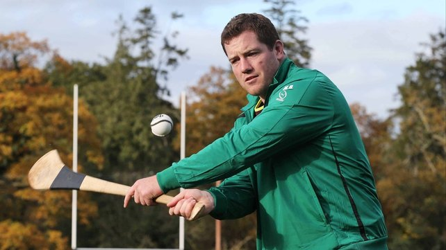 Michael Bent gets acquainted with hurling shortly after arriving from New Zealand