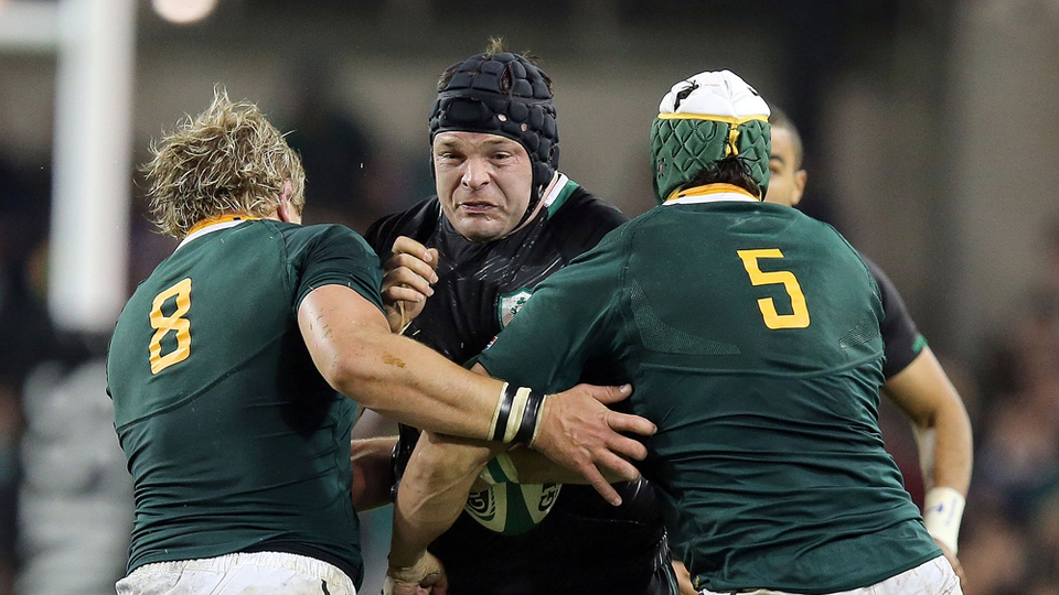 Mike Ross tries to break through Duane Vermeulen and Juandre Kruger
