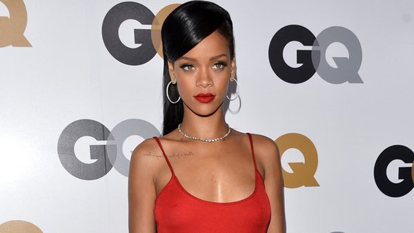 Rihanna fans are not impressed