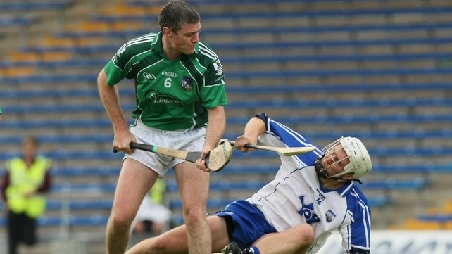 Geary in action against Waterford's Stephen Molumphy in the 2009 Munster semi-final