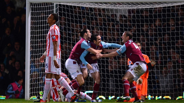 Joey O'Brien (c) is congratulated by  Andy Carroll and Kevin Nolan after grabbing the West Ham leveller
