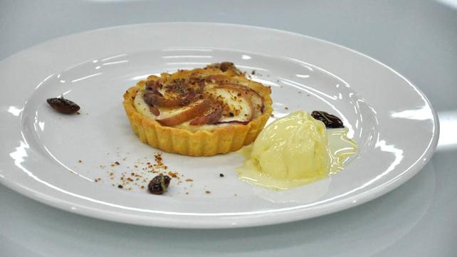 Peaches and Frangipane tart with rosemary and honey ice-cream