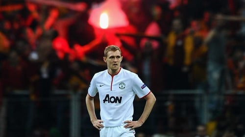 Darren Fletcher shows his disappointment after Burak Yilmaz's goal