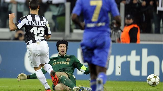 Sebastian Giovinco scores for Juventus